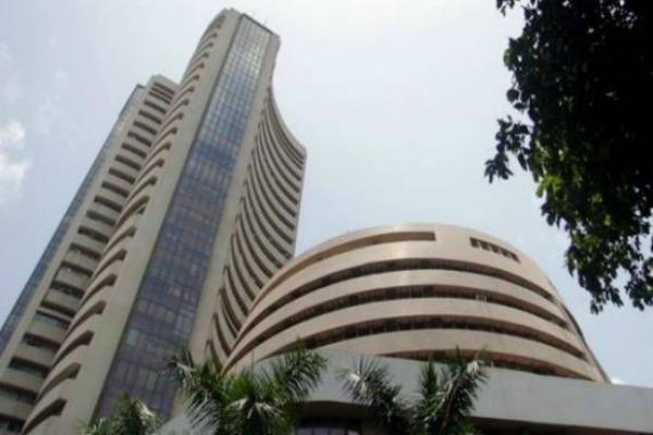 शेयर बाजार में कमजोरी, सैंसेक्स 100 अंक गिरा